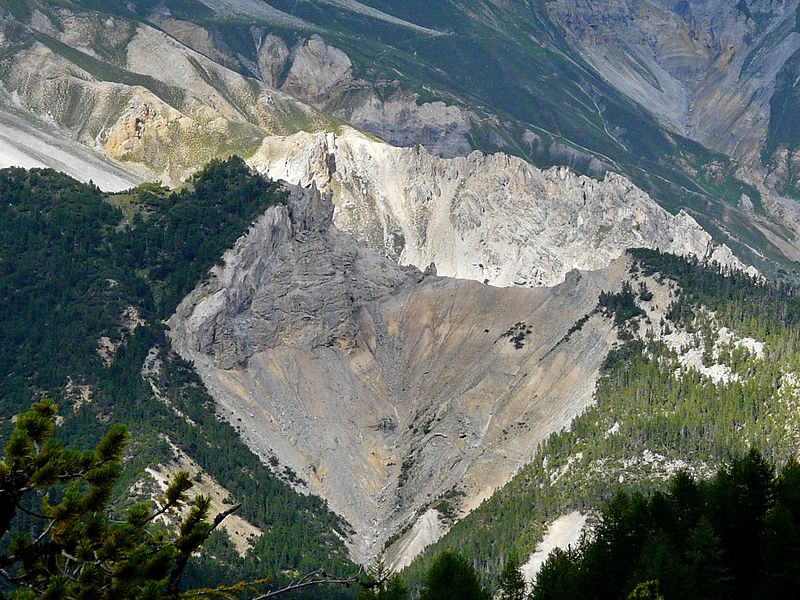 File:Munt la Schera 1 Parc National.jpg