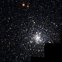 NGC 6293 Hubble WikiSky.jpg