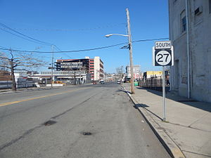 New Jersey Route 27 - The first reassurance shield on Route 27 in Newark