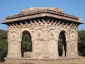 Nagina Masjid, Champaner - Nagina Masjid's cenotaph.