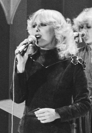 Bonnie St. Claire - St. Claire performing in Nationaal Songfestival 1982