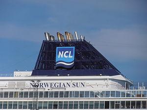Norwegian Sun' Funnel Tallinn 7 May 2012.JPG