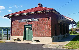 Hyde Park station (New York Central Railroad) - Station building in 2007