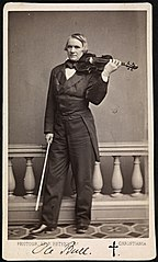 Ole Bull full figure portrait with violin (4711043525).jpg