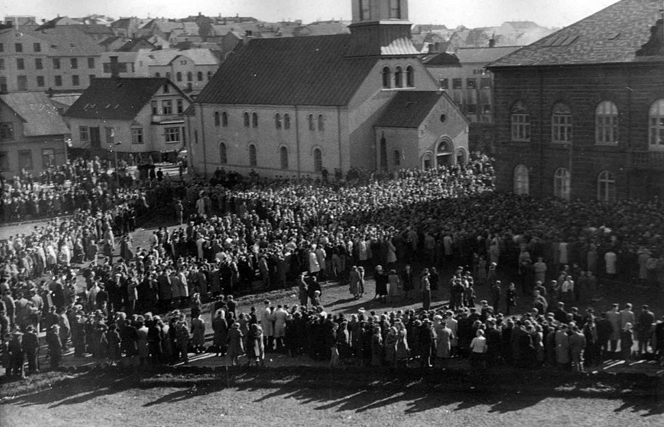 Overview over Austurvöllur, Reykjavik Cathedral and the House of the Althing, March 30th 1949.