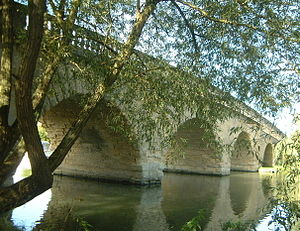 Swinford Toll Bridge - Image: Oxfordeynsham 5