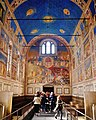 Padova Cappella degli Scrovegni Innen Langhaus West 1.jpg