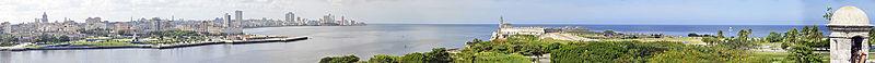Panorama of Havana, from Fortaleza de San Carlos de la Caba%C3%B1a.jpg