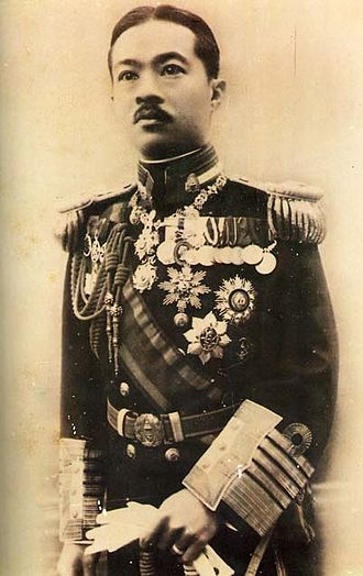 Siamese revolution of 1932 - Prince Paribatra Sukhumbhand, the Interior Minister and a brother to the King