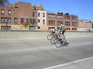 "New York State Route 895 - Bicycling on the Sheridan during Transportation Alternatives' 2007 ""Tour de Bronx"""