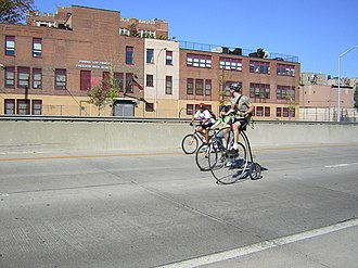 """New York State Route 895 - Bicycling on the Sheridan during Transportation Alternatives' 2007 """"Tour de Bronx"""""""