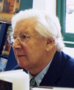 Peter Ustinov cropped.jpg