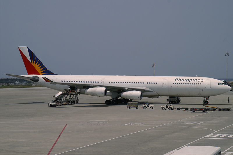 File:Philippine Airlines Airbus A340-313X (F-OHPK) Naha Airport.jpg