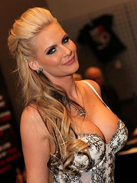 Phoenix Marie AVN Adult Entertainment Expo 2013.jpg