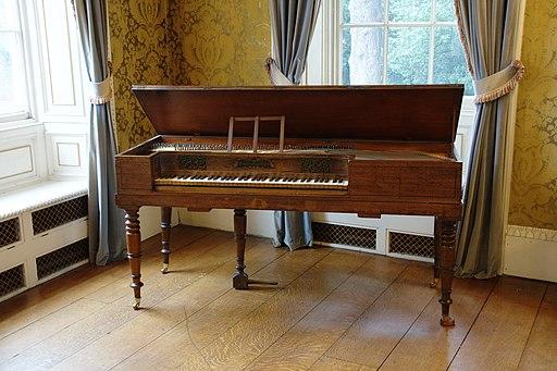 Piano 3205