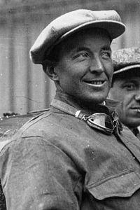 Pietro Bordino at the 1922 French Grand Prix (4) (cropped).jpg