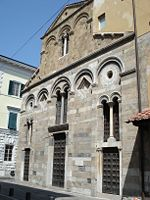 Pisa San Pietro in Vinculis (facciata).JPG