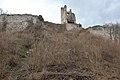 Poertschach Burgruine Leonstein suedliche Schildmauer mit Bergfried 24032014 882.jpg