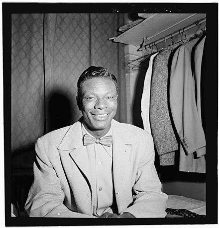 Portrait of Nat King Cole, Paramount Theater, New York City, November 1946 (Portrait of Nat King Cole, Paramount Theater, New York, N.Y., ca. Nov. 1946) (LOC) (4931764947).jpg