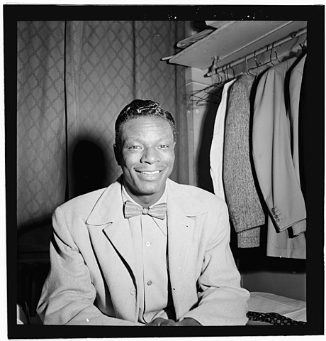 Portrait of Nat King Cole, Paramount Theater, New York, N.Y., ca. Nov. 1946 LOC 4931764947.jpg