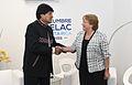 Presidenta Bachelet sostuvo una reunión bilateral con el Presidente de Bolivia, Evo Morales (16211299787).jpg