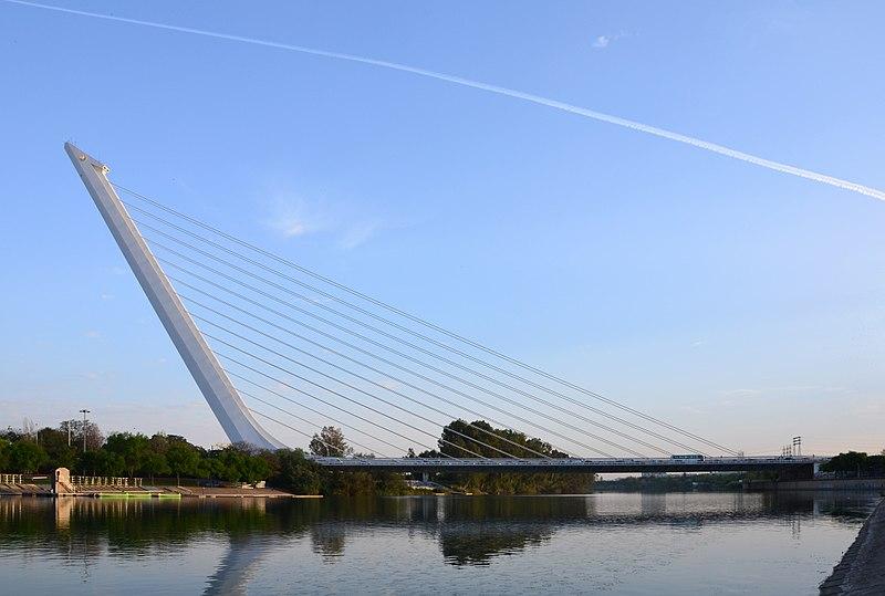 File:Puente del Alamillo 2017.jpg