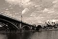 Puente isabel II en sevilla.jpg