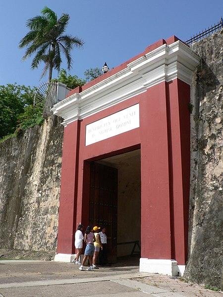 Súbor:Puerta de San Juan.jpg