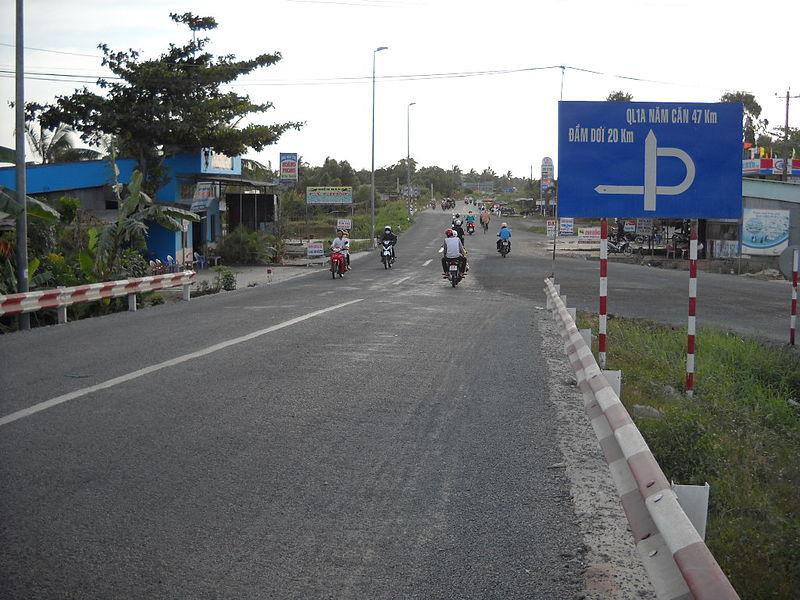 Tập tin:Quốc lộ 1A, Cà Mau đi Năm Căn.jpg