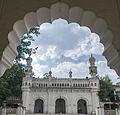 Qutub shahi mosque in Paigah tombs.jpg