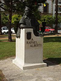 Monumento a Rafael Alberti en la Plaza del Polvorista, en El Puerto de Santa María