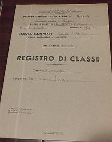 Registro scolastico con la firma di Sciascia