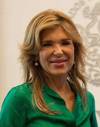 Claudia Pavlovich Arellano - Image: Reunión con Claudia Pavlovich, Gobernadora Electa de Sonora. (20549752226) (cropped)