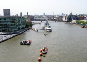 River.thames.viewfromtowerbridge.london.arp.jpg