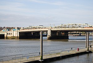 History of Rochester, Kent - Rochester Bridge, the lowest bridging point of the Medway.