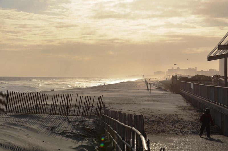 File:Rockaway Beach Queens.JPG