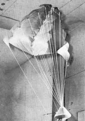 Rogallo wing - Rogallo wing considered as a candidate recovery system for the Apollo spacecraft
