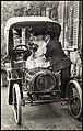 Romantisk par i bil (12341134605).jpg