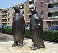 Rotterdam kunstwerk Twee bronzen pinguins.jpg