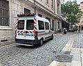Rue du palais de justice (Lyon) - véhicule de police.jpg