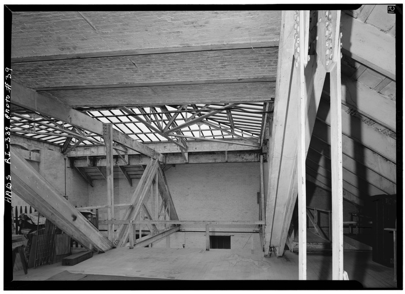 File:SKYLIGHT AREA AT NORTH END OF ATTIC OVER GRAND STAIRCASE - The Breakers, Ochre Point Avenue, Newport, Newport County, RI HABS RI,3-NEWP,67-39.tif