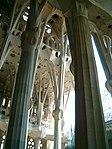 Sagrada Familia (interior) 2 - panoramio.jpg