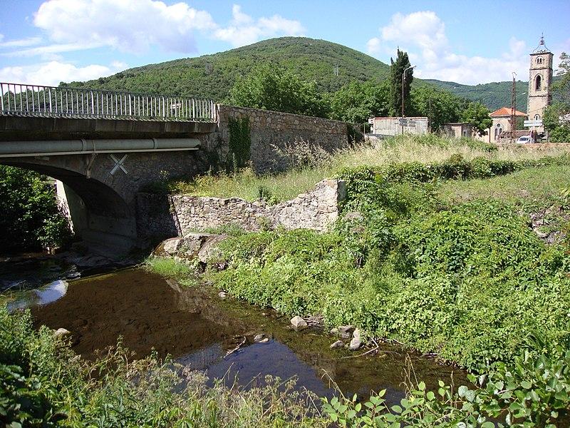Saint-Étienne-Estréchoux (Hérault, Fr) - Le Clédou avec un pont
