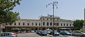 Salerno railway station.jpg