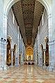 San Zeno Maggiore Inside 3 (14370663670).jpg