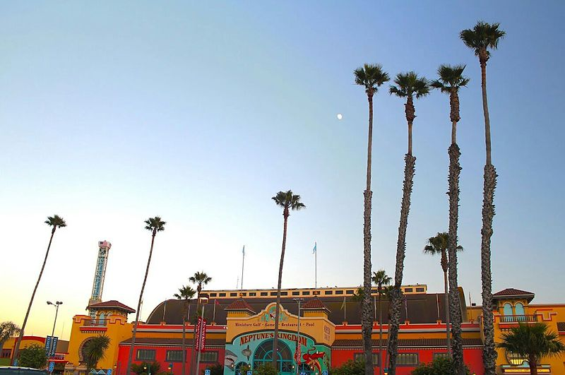 File:Santa Cruz Beach Boardwalk 2012-07-31 12-36-32.jpg