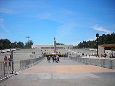Basilica Of The Holy Trinity F 225 Tima Wikipedia