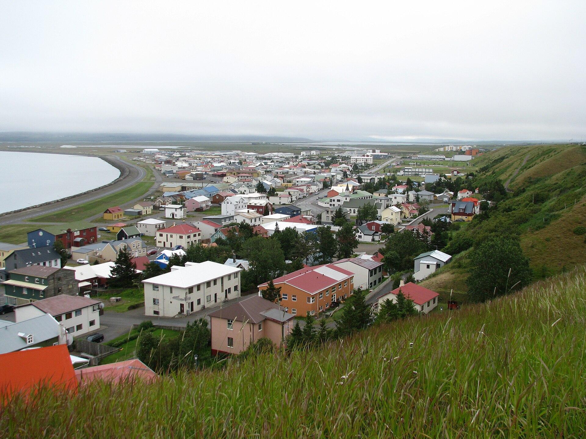 冰岛北部的瑟伊藻克罗屈尔小镇是斯卡加峡湾地区的最大城镇
