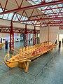 Schilde am rekonstruirten Römischen Schiff Navis lusoria im Museum für Antike Schifffahrt, Mainz, Deutschland (48988285396).jpg