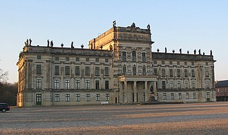 Ludwigslust Palace - Ludwigslust: the entrance front facing the Platz